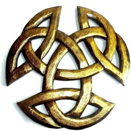 Dreifacher Knoten, geschnitzt