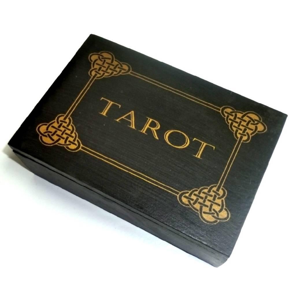 tarot k stchen aus holz alraune esoterik shop f r magie hexen und ritualzubeh r. Black Bedroom Furniture Sets. Home Design Ideas