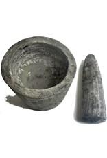 Rustikaler Mörser aus Lavasand-Zementgemisch