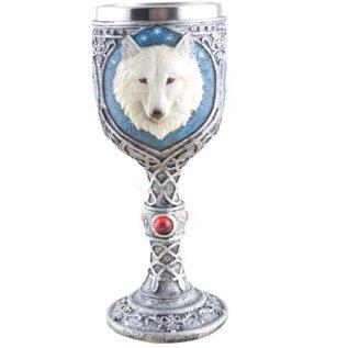 Kelch mit weißem Wolf