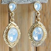Ohrringe 20x45mm Mat Goldbarock weißen Opal