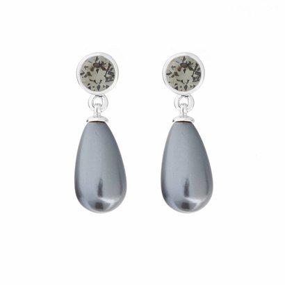 BIBA OORBELLEN Biba earrings with a dangling Swarovski Grey pearl on a silver plug.
