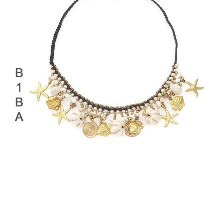BIBA EXPERIENCE Biba Kurze Halskette mit Anhänger verfügbar in Türkis und Weiß
