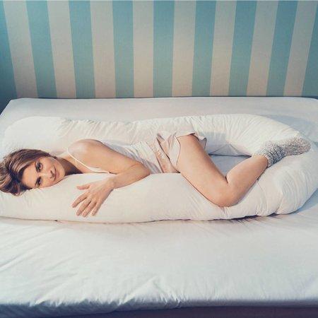 Fossflakes Bodykissen - Seitenschläferkissen - Schwangerschaftskissen inkl. Bezug