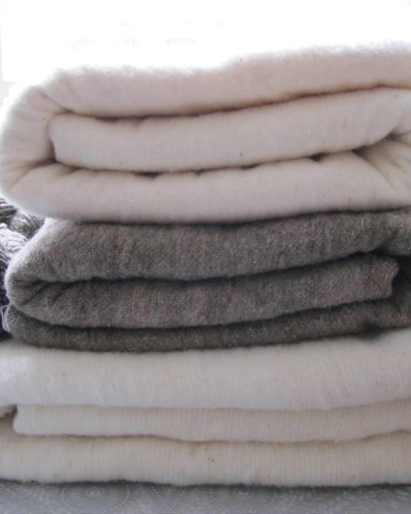 Handwoven Berber pompom blanket M