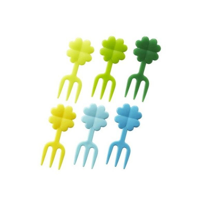 Picks Four-Leaf Clover