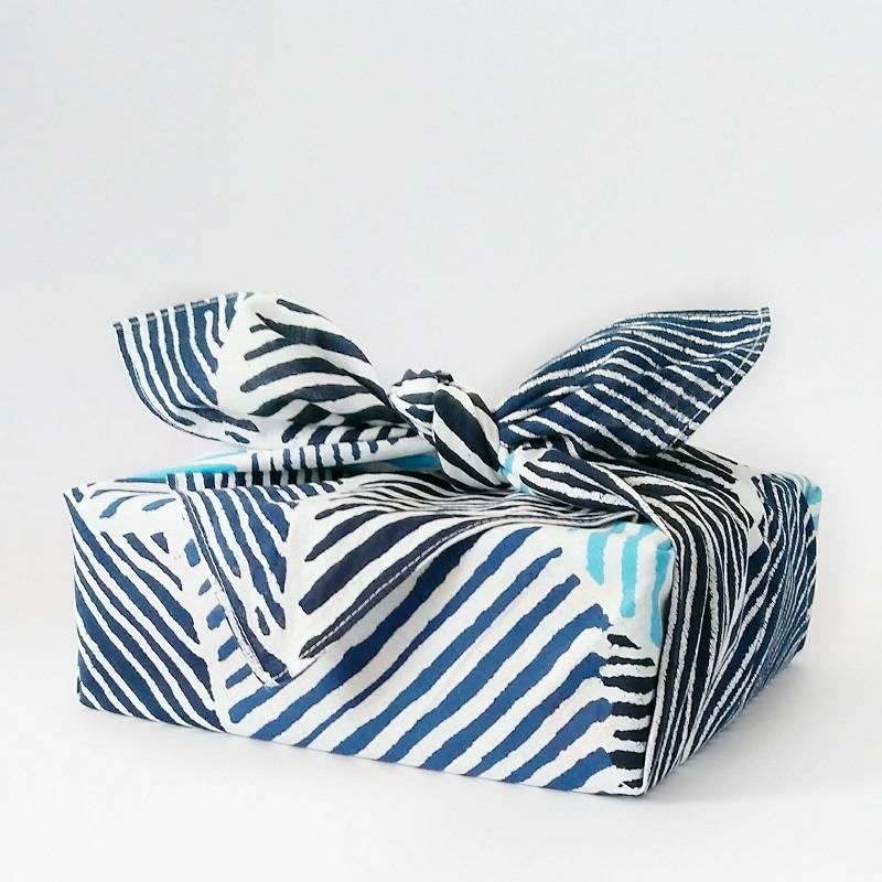 Inpakken met een furoshiki, knoopdoek