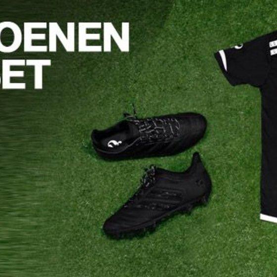 Football shoe + Tightening set   € 69.95