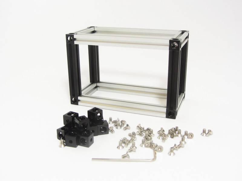 MakerBeam 12 pieces of MakerBeam Corner Cube Black