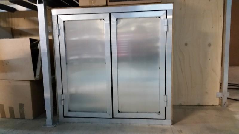 Topclamp cupboard