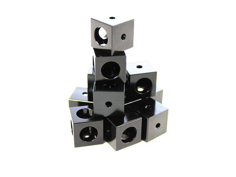 MakerBeamXL 12 pieces Corner cubes black (15mmx15mmx15mm)