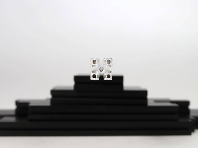 MakerBeamXL - 15x15mm aluminum profile 1 piece of 500mm black MakerBeamXL