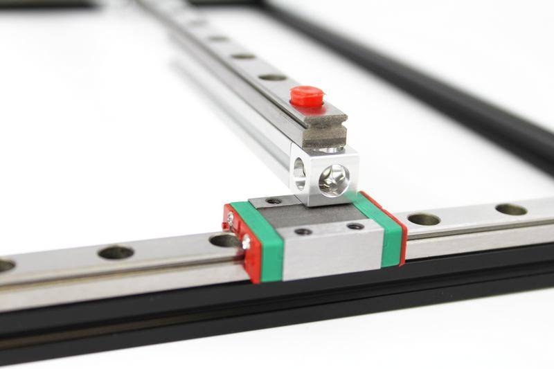 MakerBeam 1 piece of 300mm linear slide rail and carriage