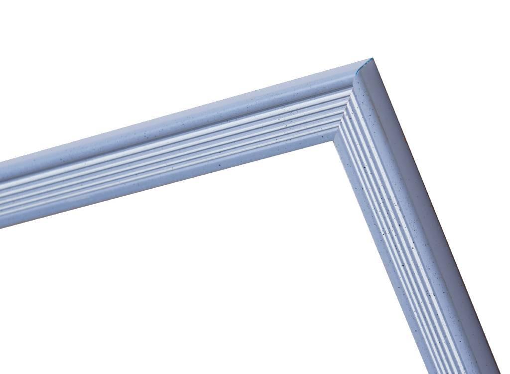 Helsinki - blauer Rahmen mit weißen Strichen