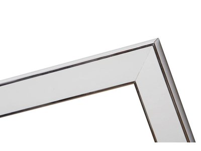 Silberner und weißer Design-Bilderrahmen