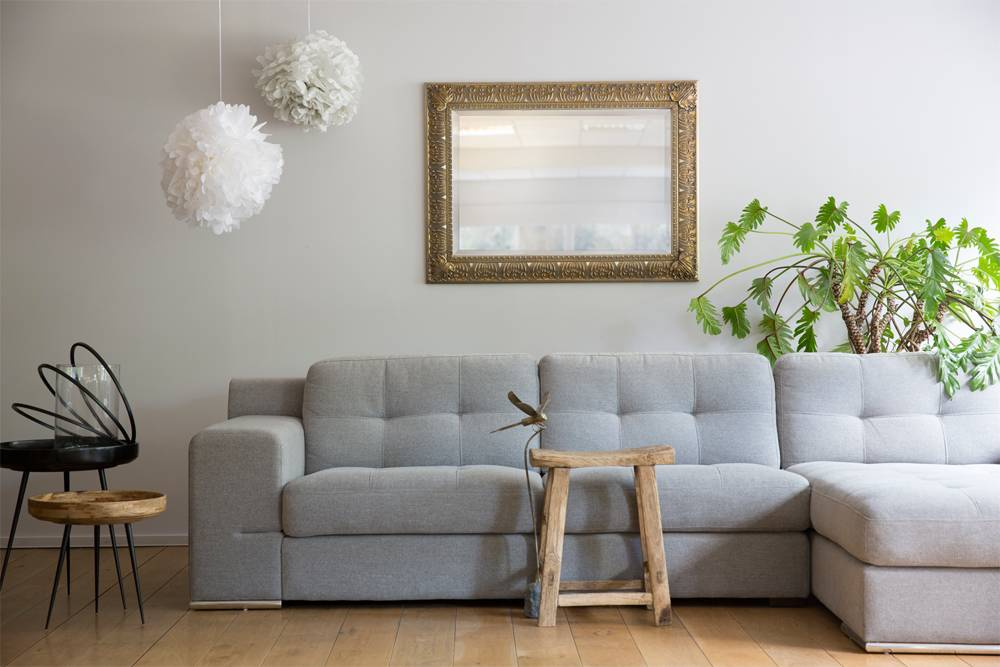 Marbella - Spiegel mit klassischem Rahmen in Silber