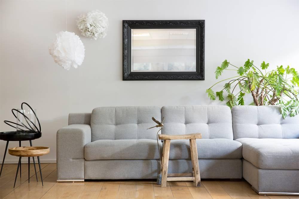 turin atmosph re schaffender spiegel mit schwarzem. Black Bedroom Furniture Sets. Home Design Ideas