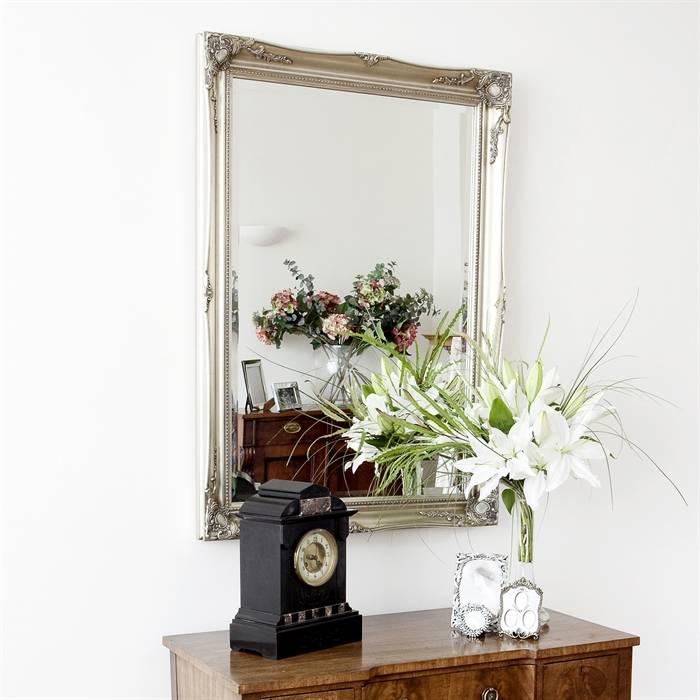 Verona - Stimmungsvoller Spiegel mit klassischem Silberrahmen