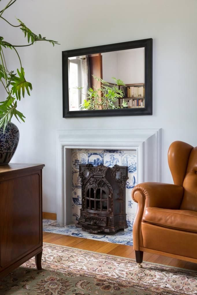 Harlem - Spiegel mit zeitlosem schwarzen Rahmen