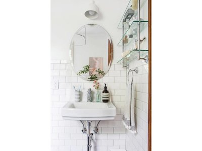 Ovaler Spiegel ohne Rahmen