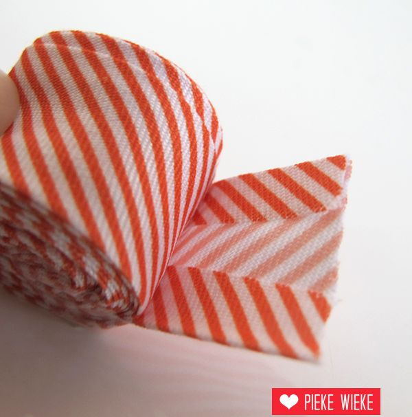 Biais met streepjes, oranje, voorverpakt 2 meter