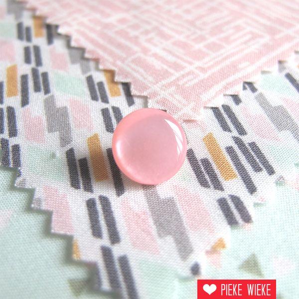 Parelmoer roze knoopje 11mm