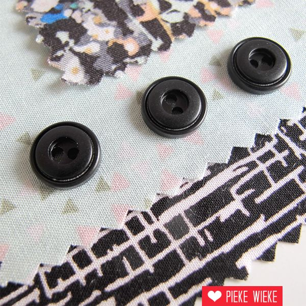 Black button 10mm