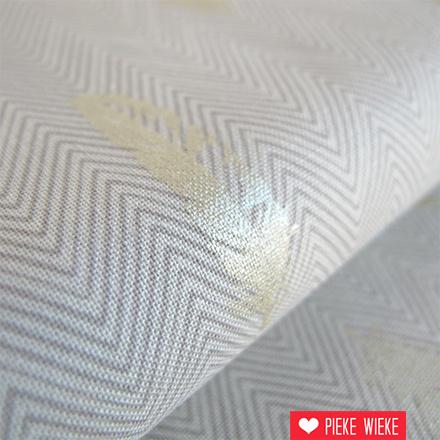Robert Kaufman Shimmer feathers crème