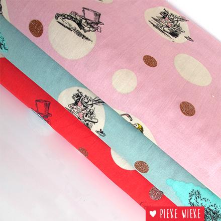 Double Gauze Alice in Wonderland roze