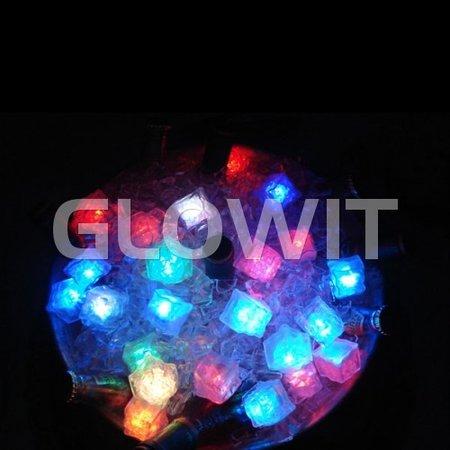 Glowit Glaçon LED - 30mm x 30mm x 30mm - rouge