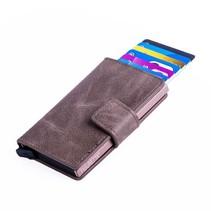 Cardprotector PU leer - Donkerbruin