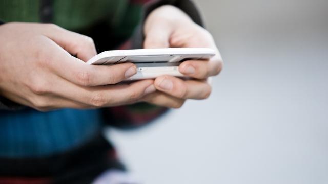 'Telefoongesprekken en sms'jes gemakkelijk te onderscheppen door lek'