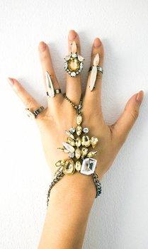 Ibiza beige handsieraad met ringen