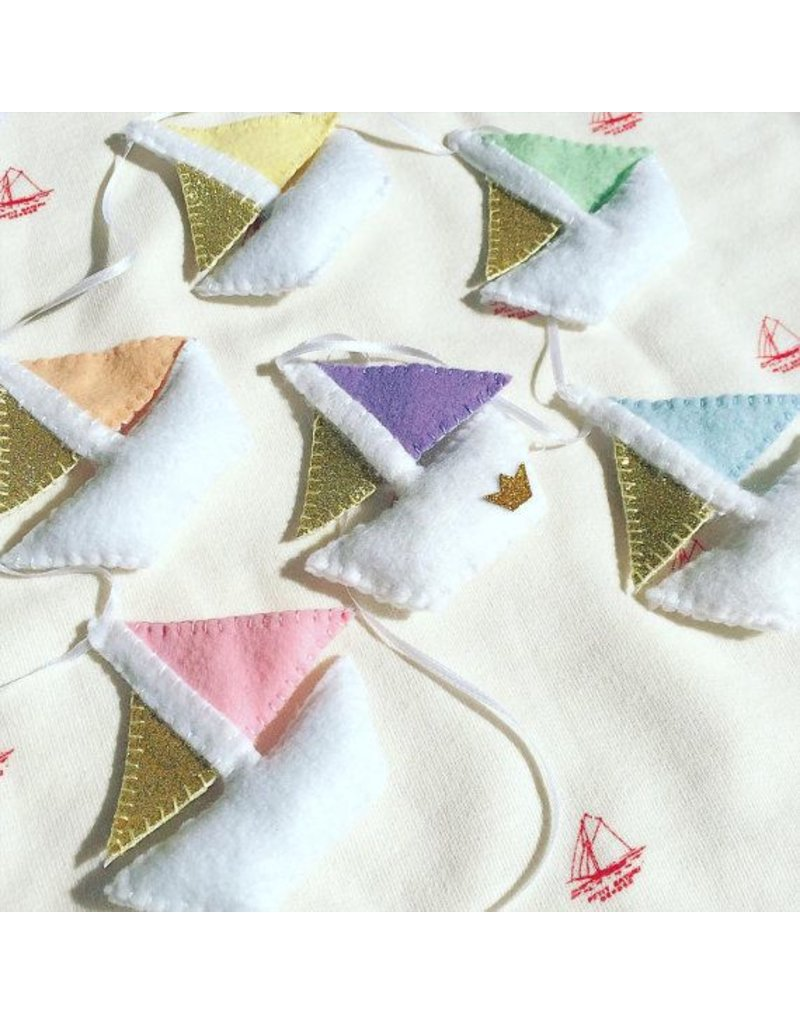 voor kindjes Beautiful garland 'Boats'