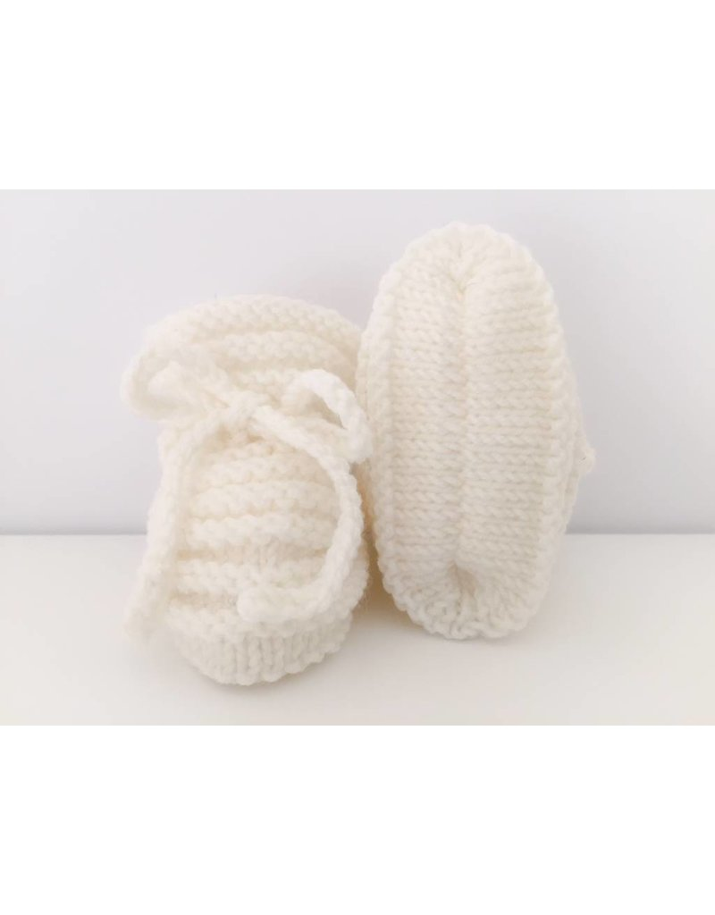Oma Meijel Breit Hand knitted baby shoes