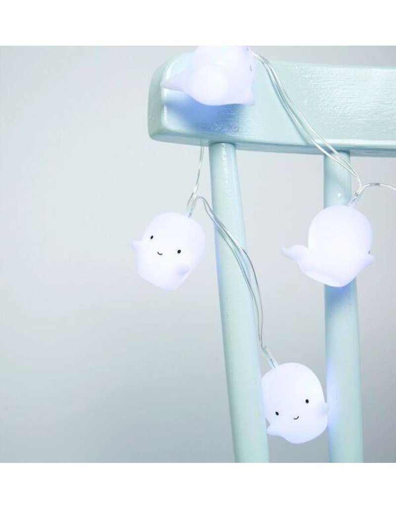 A Little Lovely Company Wonderful light garland with cute little ghosts