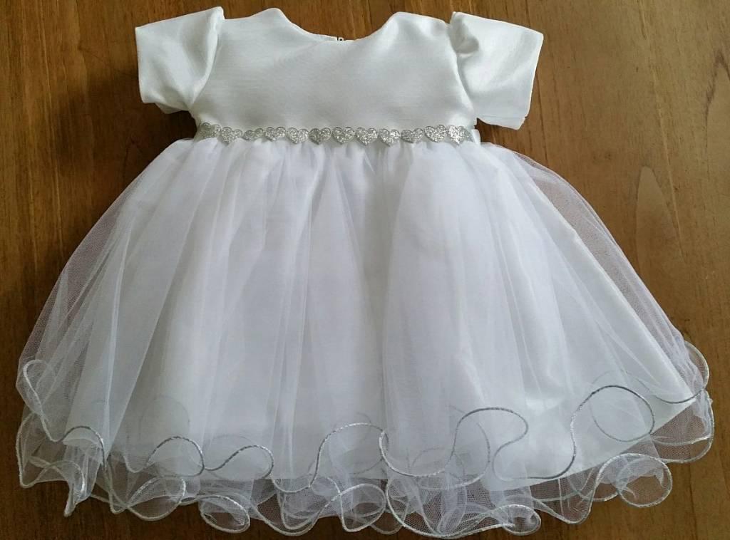 Wit baby jurkje doopjurk Febe met zilveren hartjes