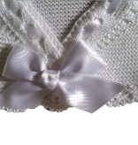 Baby vestje wit met satijn strik