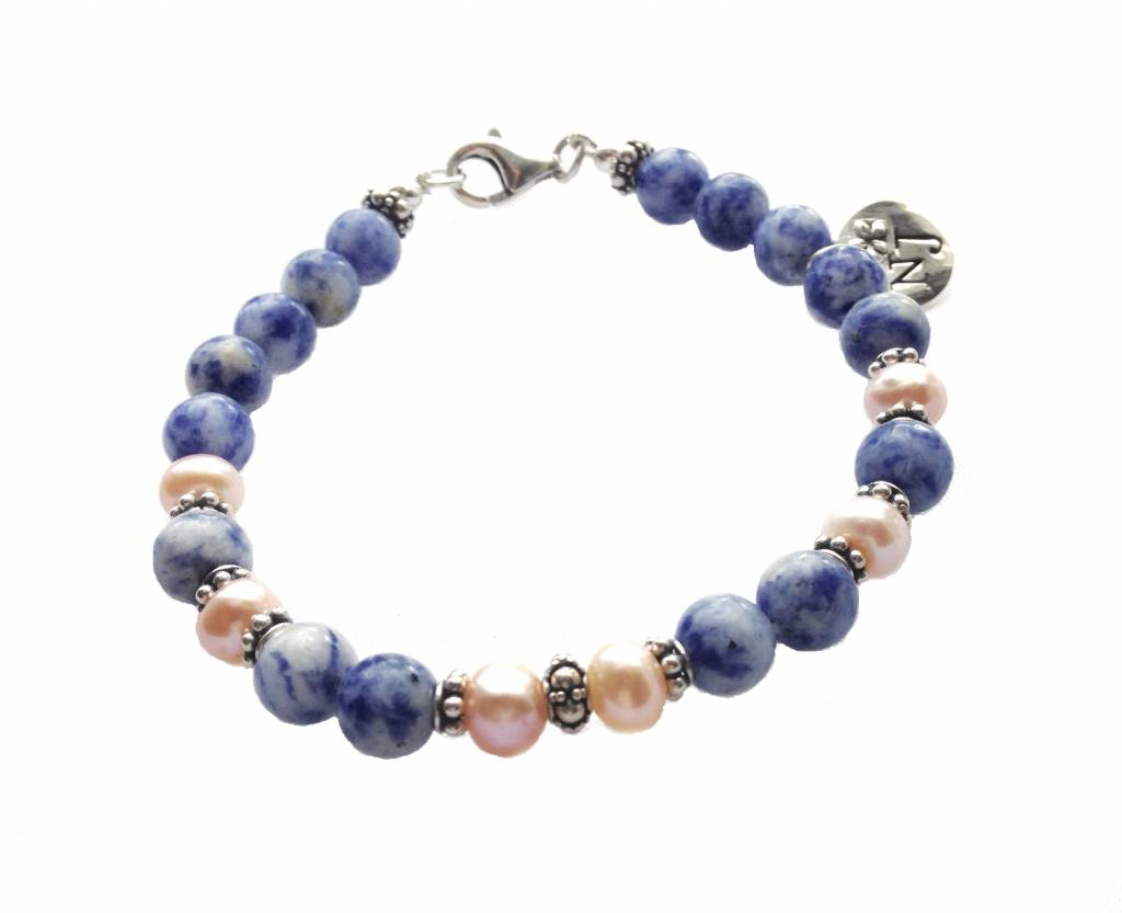 Sodalite and pink pearls, Porcelain blue