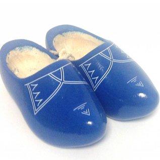 Blaue Holzschuhe mit Zierleiste