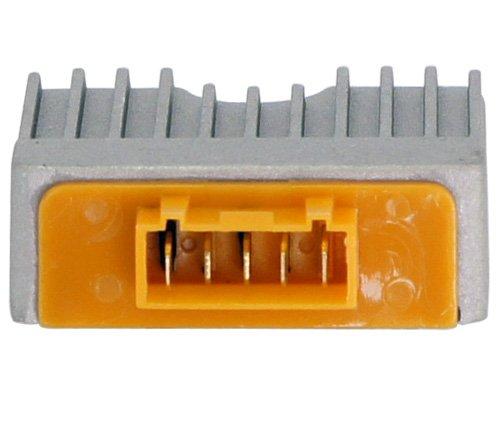 Spannings Regelaar 5 pins Piaggio  imitatie (org  9693825)