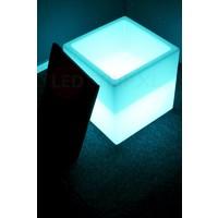 RGB LED Zitkubus 40CM met Kussen en afstandsbediening
