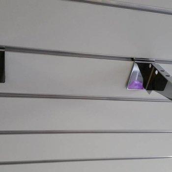 Design Garments Shelf supports for slatwall (200 mm) 2 pieces L+R
