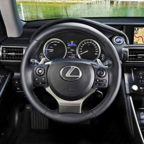 Lexus IS300 Interface + Cam (FPG, PDC)