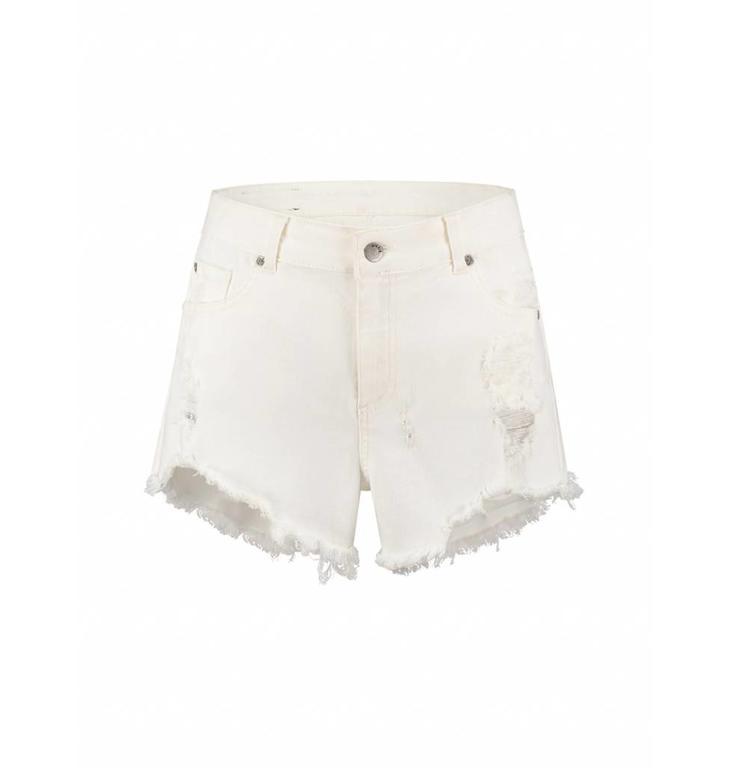 Nikkie Soft White Destroy Short Jeans N2910