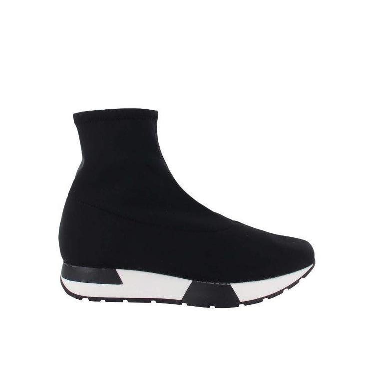 Tango Shoes Black Sneaker Oona