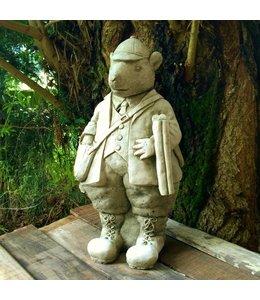 Adretter Jäger vom Lande - Steinfigur für den Garten