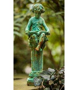 Garten Süßes Mädchen mit Buch – Ideal für Empire-Gärten
