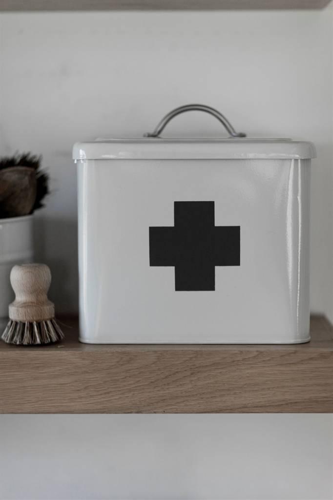 erste hilfe box villa j hn. Black Bedroom Furniture Sets. Home Design Ideas