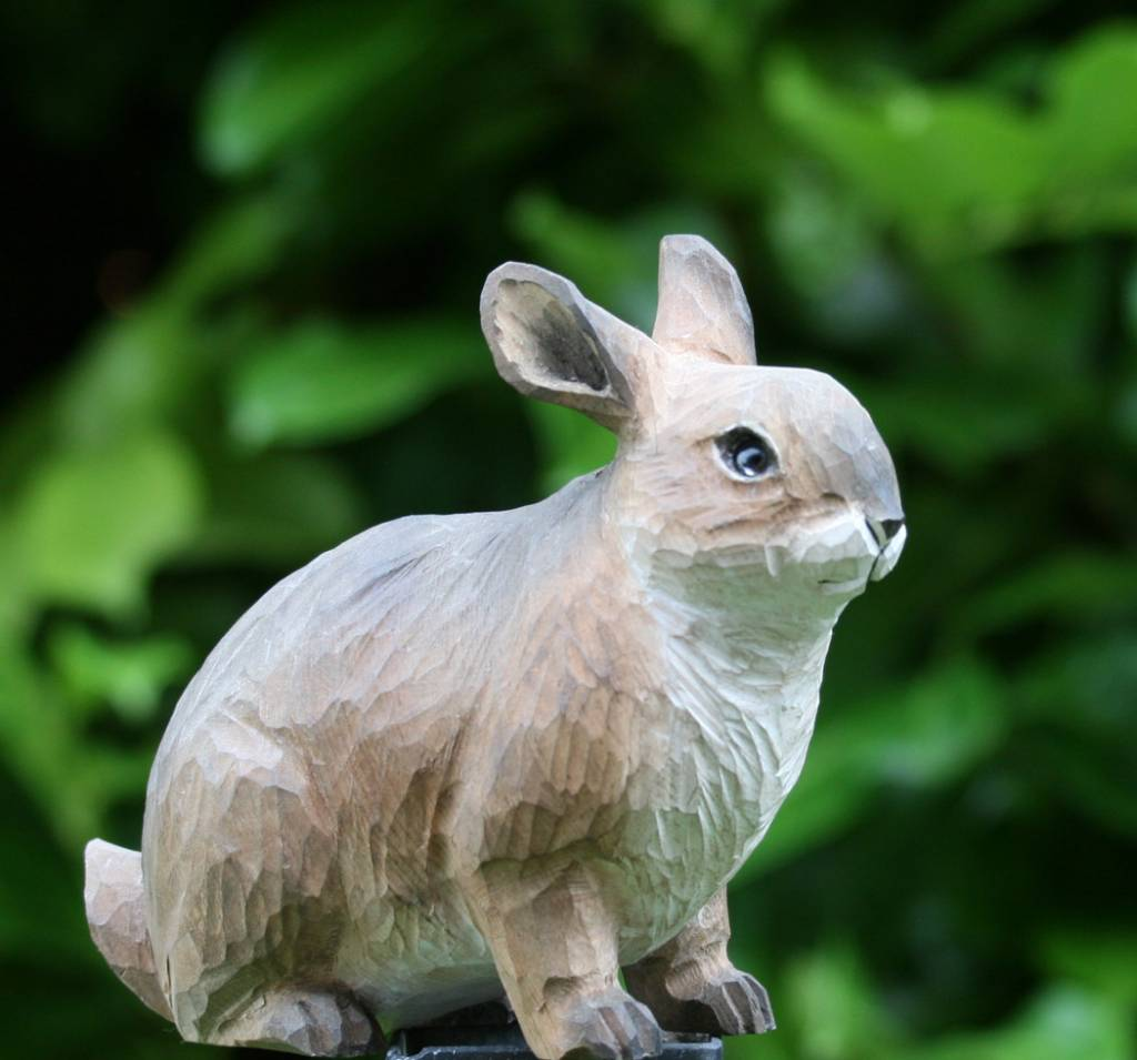 garten kaninchen handgeschnitzt villa j hn garten. Black Bedroom Furniture Sets. Home Design Ideas